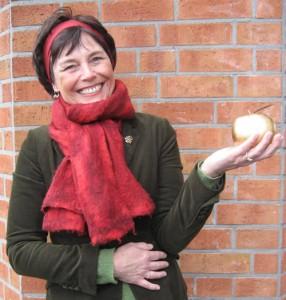 Doris Bauman mit Apel
